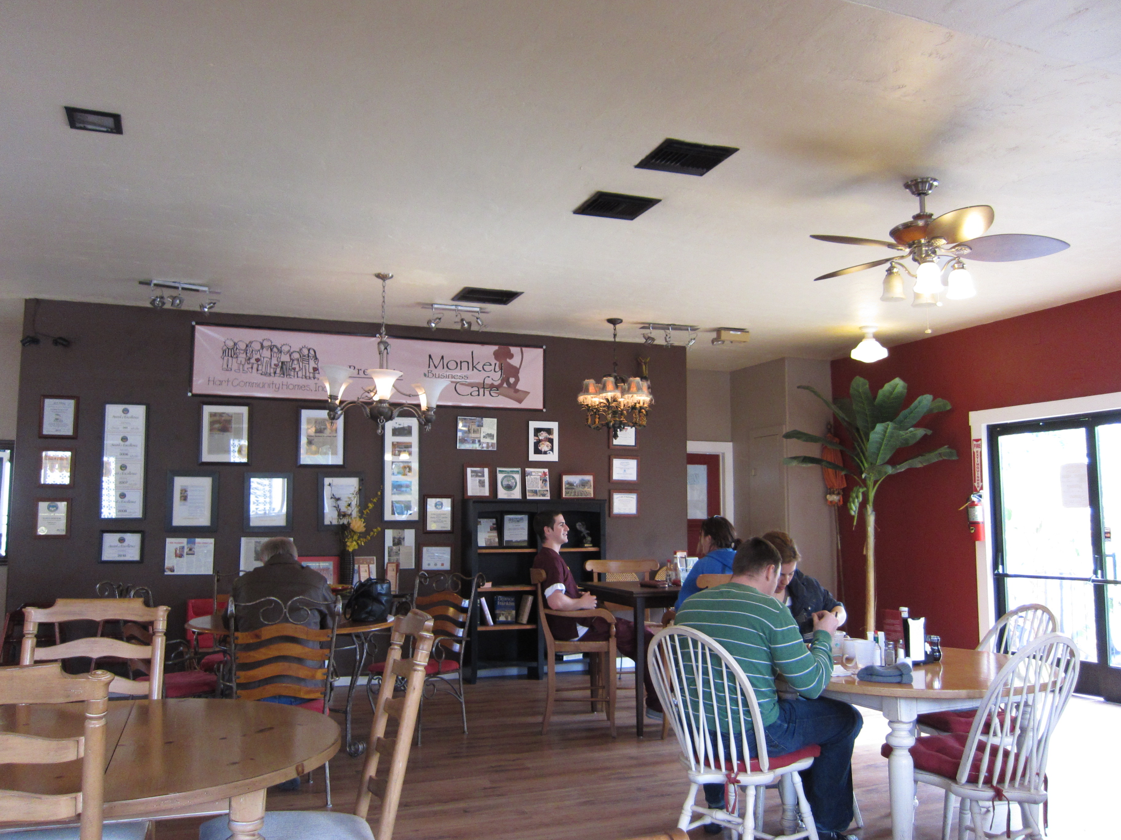 Monkey Business Cafe – Inside