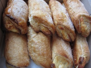 Porto's Bakery & Cafe - Cheese Rolls