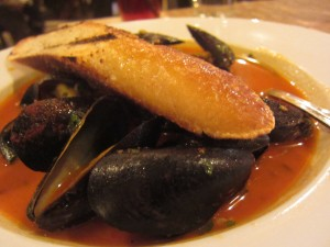 BLD - Steamed Mussels