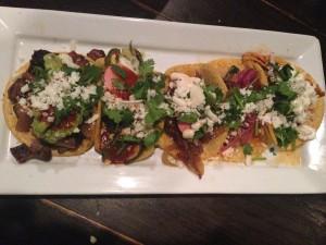 Amor y Tacos - Tacos
